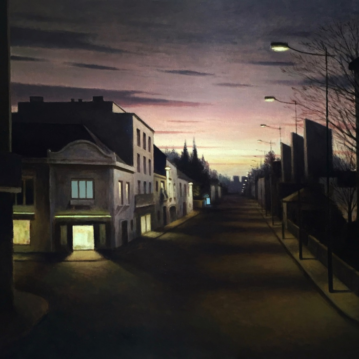 Oil on canvas painting of a darkened street at dawn dimly lit by street lights and a few windows, one of which glows blue in the distance, by Marc Chalmé titled Néons.