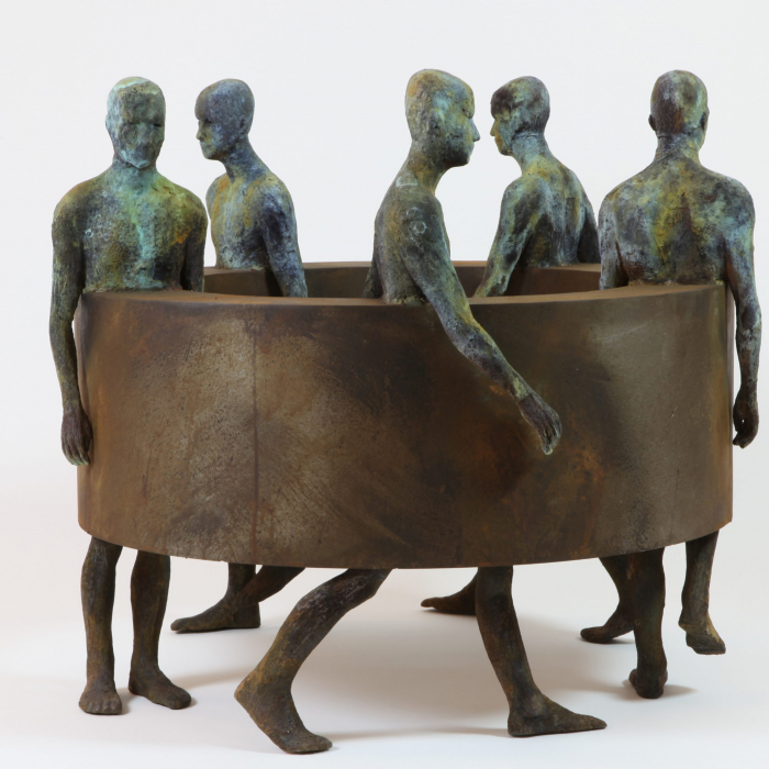 """""""Sin Fin III"""", bronze and iron, 29"""" x 25½"""" x 29"""" (74 x 65 x 74cm)"""